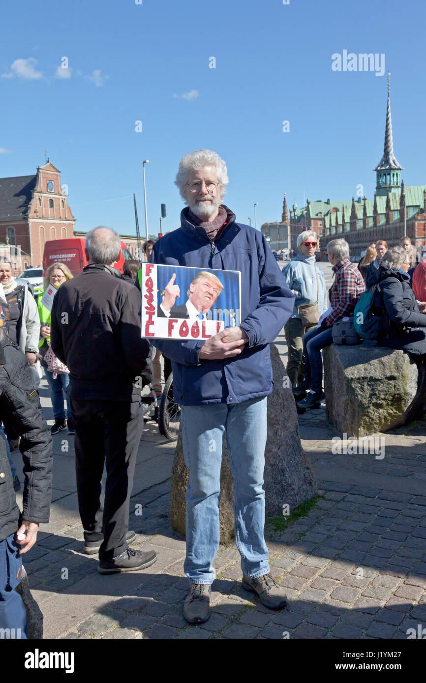 Christiansborg Castle Square, Copenhagen, Denmark. 22nd April, 2017. The participants reach Christiansborg. The - Stock Image
