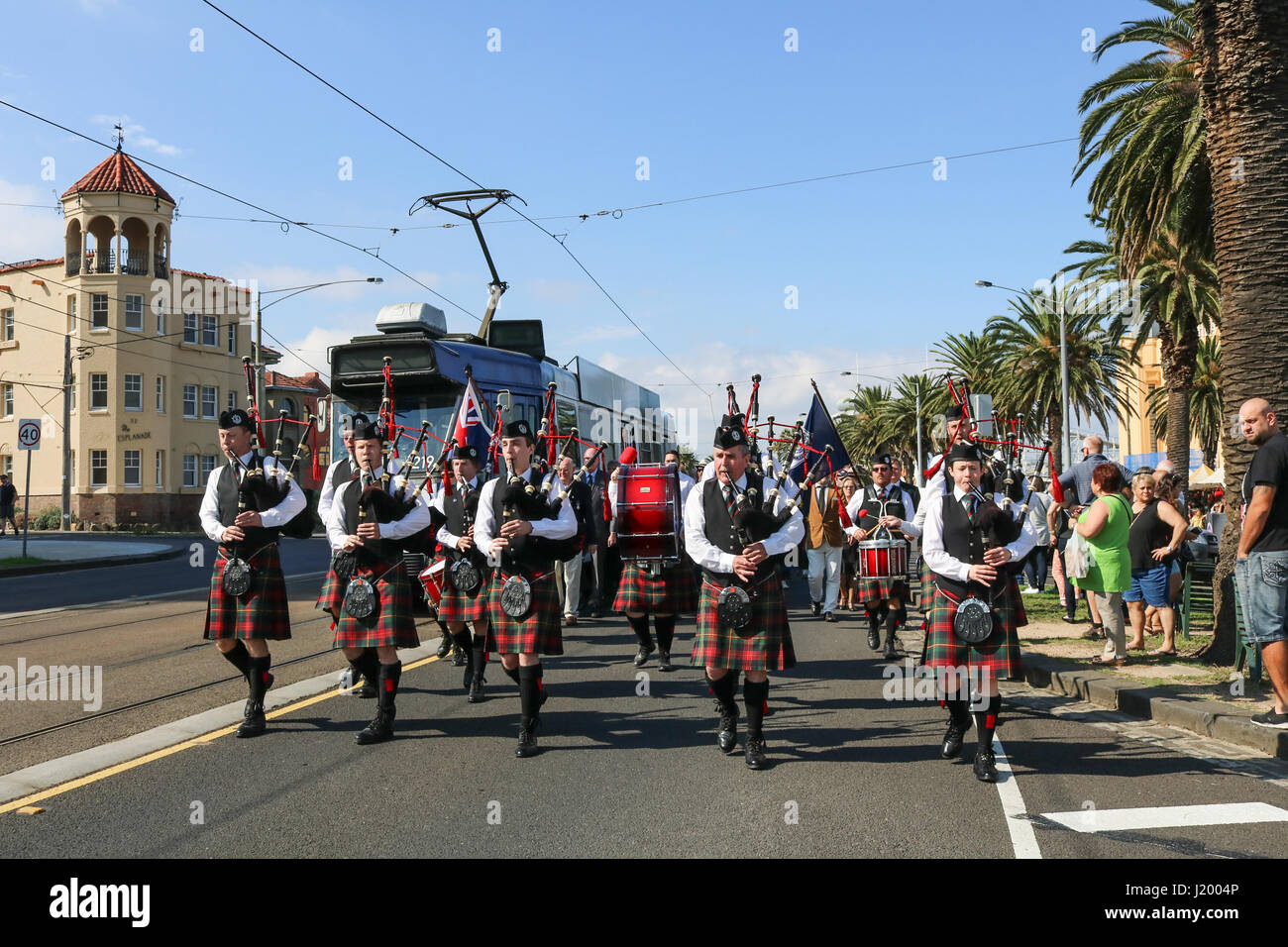 Melbourne Australia. 23rd April 2017. With 2 days until  Anzac Day, Members of the Melbourne Highland Pipe band - Stock Image