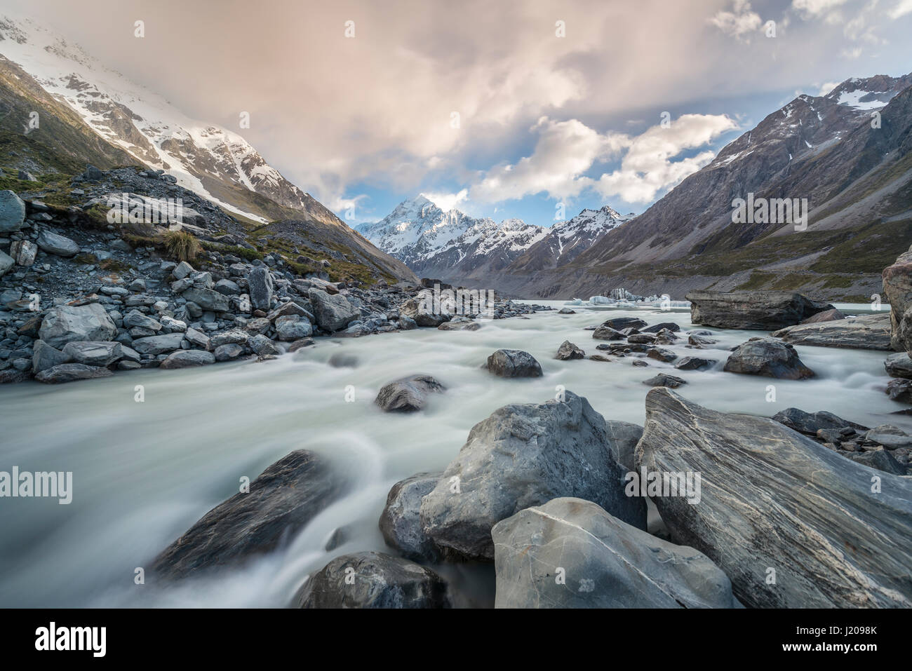 Hooker River, Hooker Valley, Rear Mount Cook, Mount Cook National Park, Southern Alps, Canterbury Region, Southland, - Stock Image