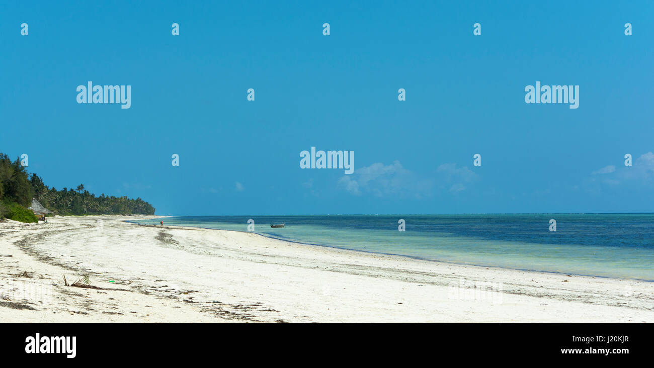 Beautiful seascape. Relax in remote areas. Secluded beach. Stunning African nature on ocean and blue sky background. - Stock Image