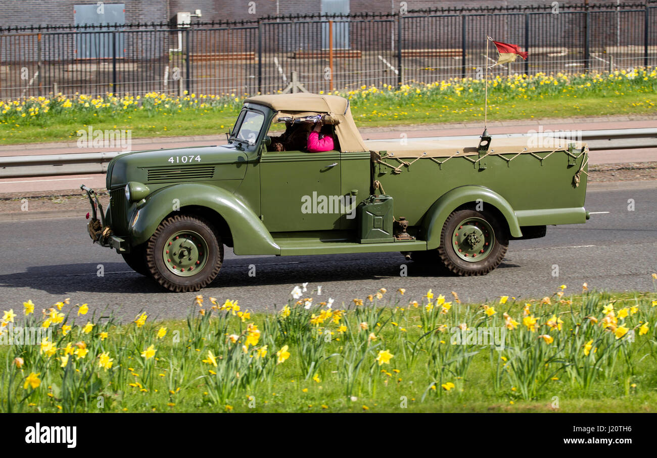 Ford Truck 1940s Stock Photos Images Alamy 1941 3 4 Ton Pickup A Modified 41074 Australian 1 Battery Staff Van Travelling Along The Kingsway West