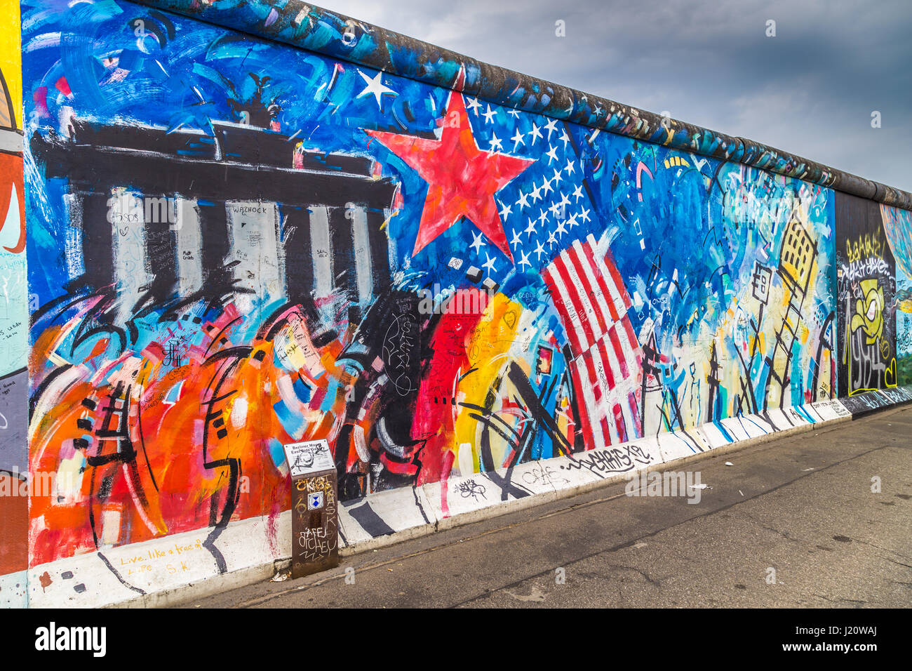panoramic view of famous berlin wall decorated with colorful graffiti stock photo 138932154 alamy. Black Bedroom Furniture Sets. Home Design Ideas