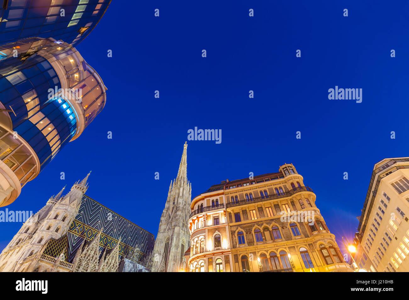 Österreich, Wien, Stephansplatz, Haas-Haus, Stephansdom - Stock Image