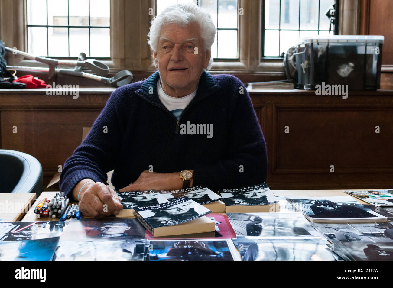Dave Prowse MBE at the 2nd OxCon comic con in Oxford. Credit: Stanislav Halcin/Alamy Live News - Stock Image