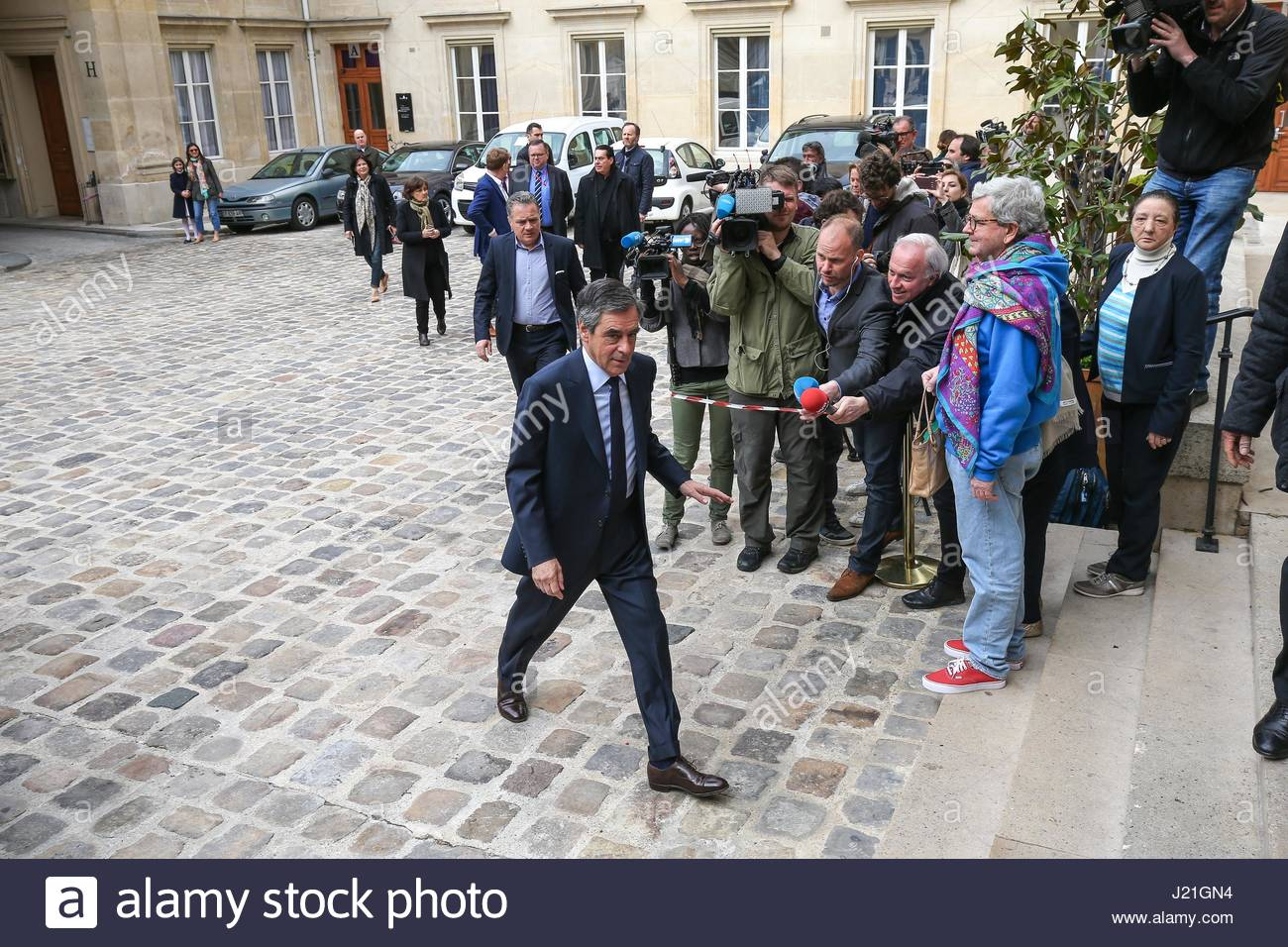 Paris, France. 23rd Apr, 2017. French presidential election candidate for the right-wing Les Republicains (LR) party - Stock Image