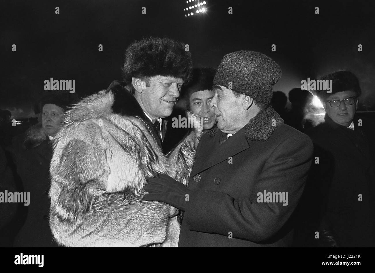 U.S President Gerald Ford wearing a Russian fur hat and wolfskin coat chats with Soviet General Secretary Leonid - Stock Image