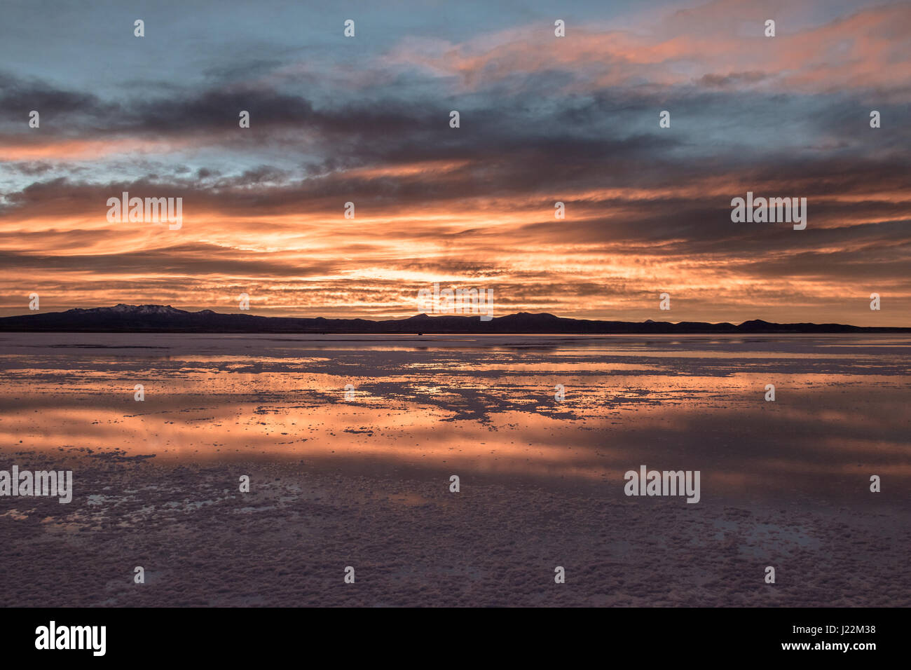 Sunrise at Salar de Uyuni salt flat - Potosi Department, Bolivia - Stock Image