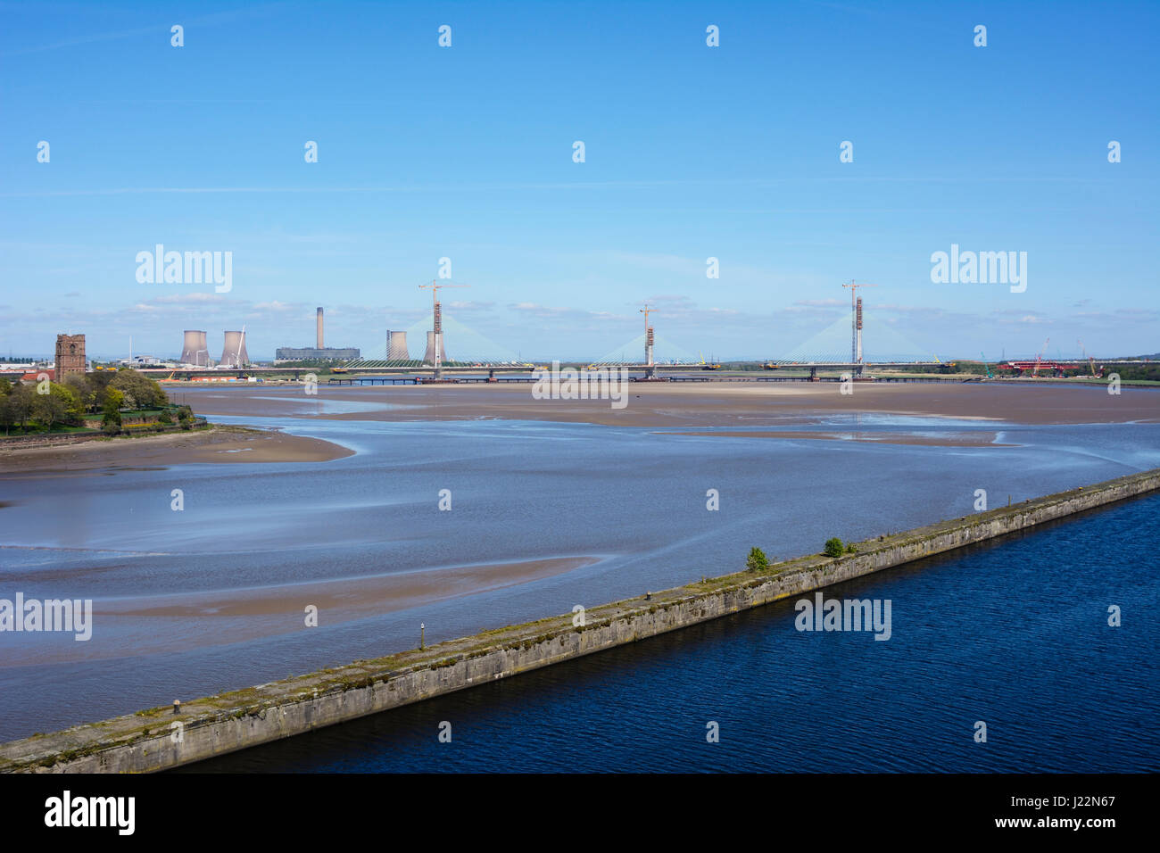 Mersey Gateway bridge under construction across the River Mersey and Manchester Ship Canal between Runcorn and Widnes. - Stock Image