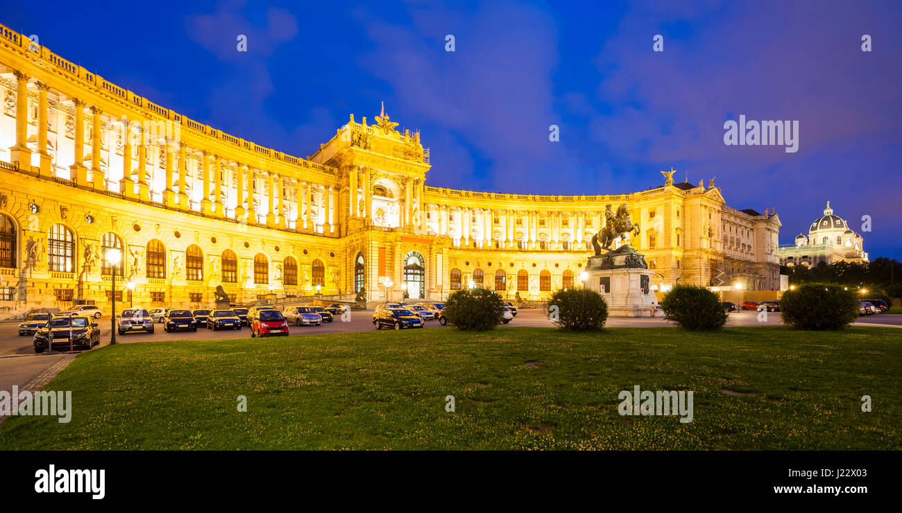 Österreich, Wien, Hofburg, Neue Hofburg, Nationalbibliothek, Papyrusmuseum, Reiterstandbild Prinz Eugen - Stock Image