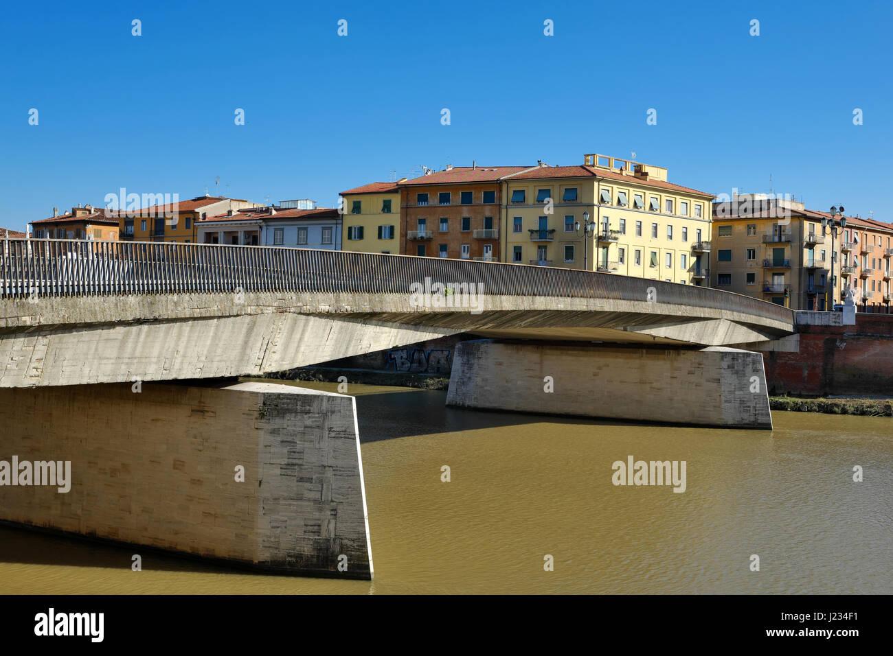 Angled view of Ponte Solferino Bridge on Arno River - Pisa, Tuscany, Italy, Europe - Stock Image