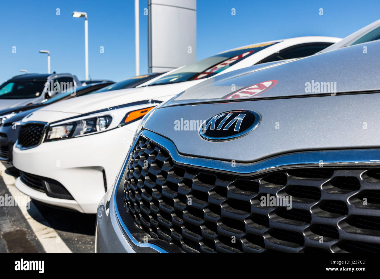 over indianapolis h problem vehicles sedan affected news brake recalled for elantra hyundai light