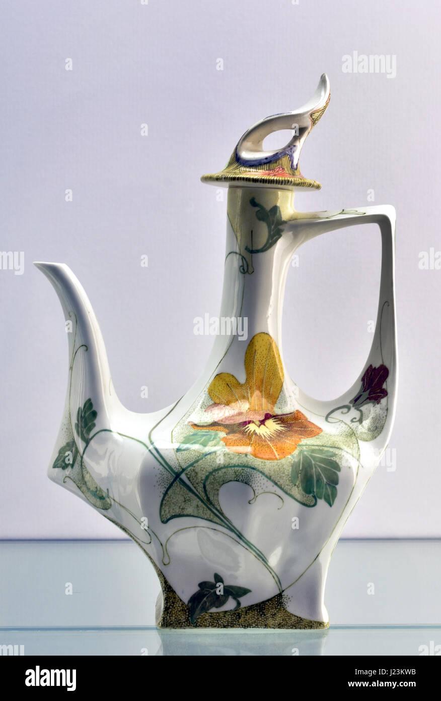 Teapot design, 1904, Wilhelmus Petrus Hartgring ,Painter, C.W.J.Hart.,  Koninklijke Porselein en Aardewerkfabriek - Stock Image