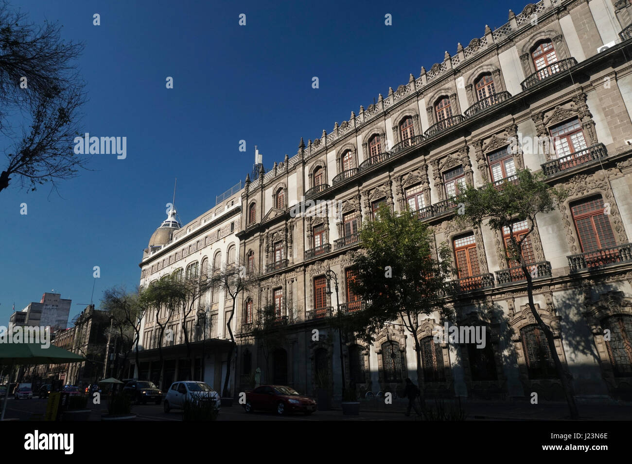 Palacio de Hierro (Palacio Centro) department store (left) and Antiguo Ayuntamiento historic building (right). historic - Stock Image