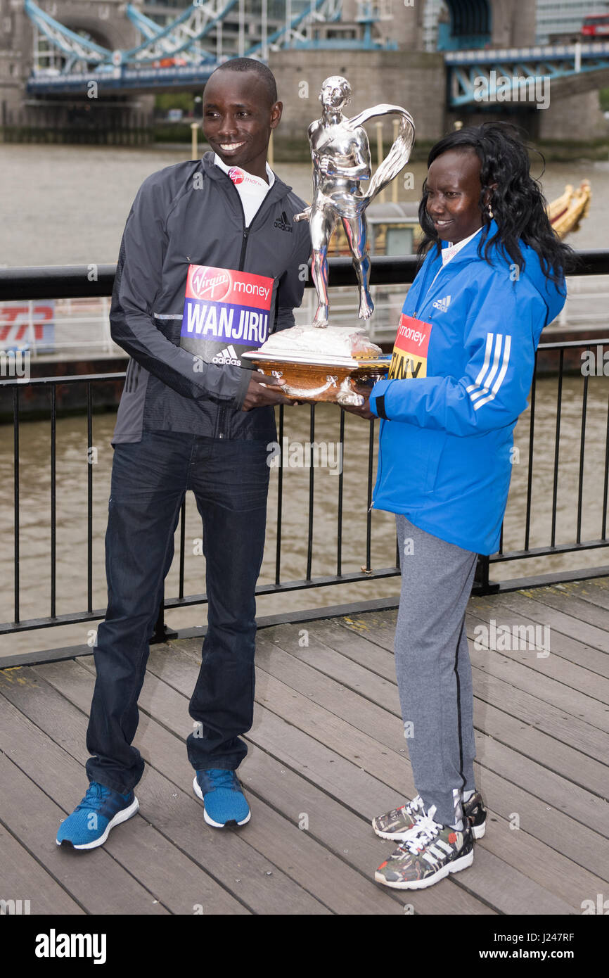 London, UK. 24th Apr, 2017. Mary Keitany KEN, Daniel Wanjiru KEN pose for photos at a photo call for the winners Stock Photo