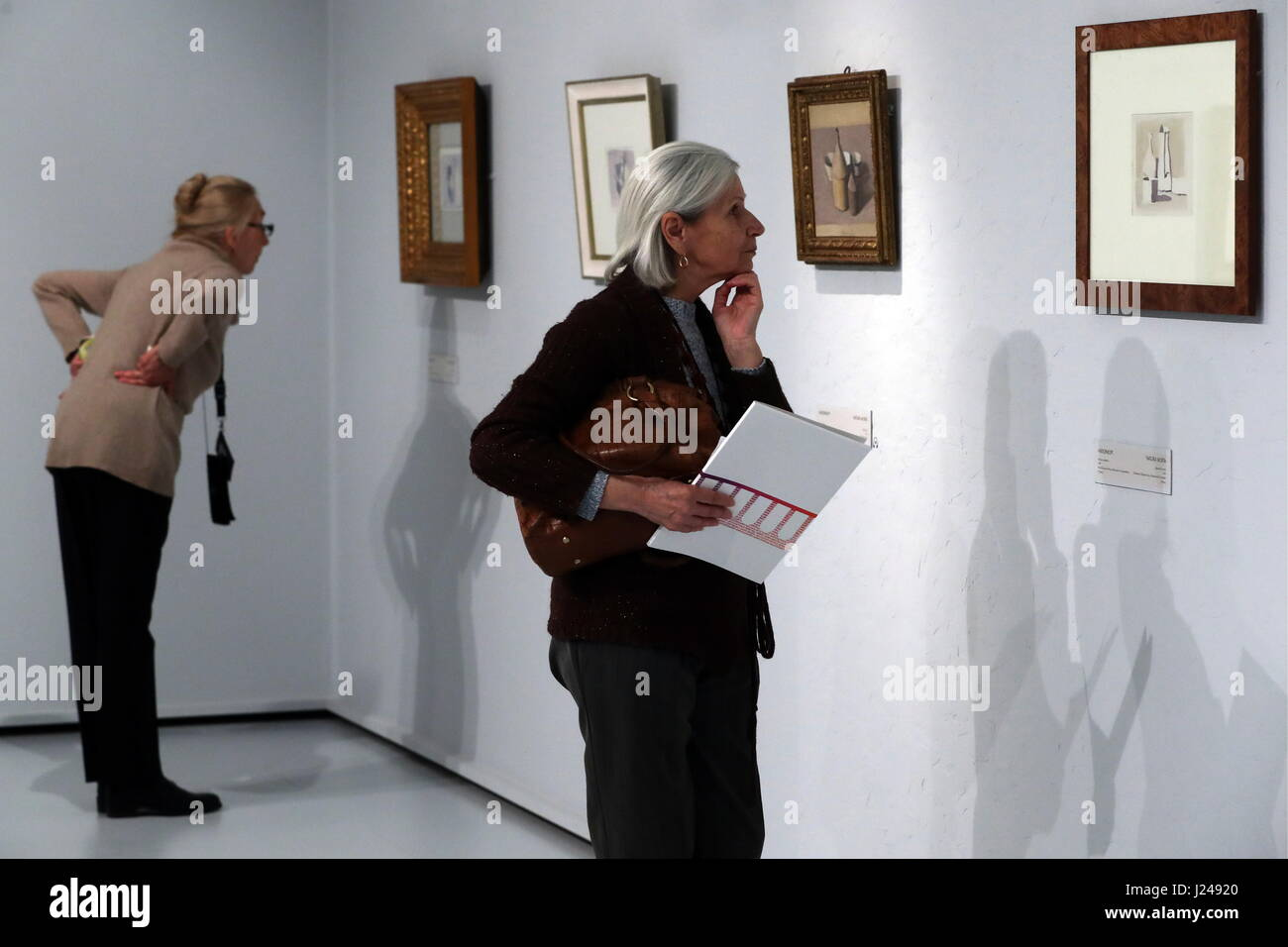Moscow, Russia. 24th Apr, 2017. Visitors at an exhibition of works by Italian painter and printmaker Giorgio Morandi - Stock Image