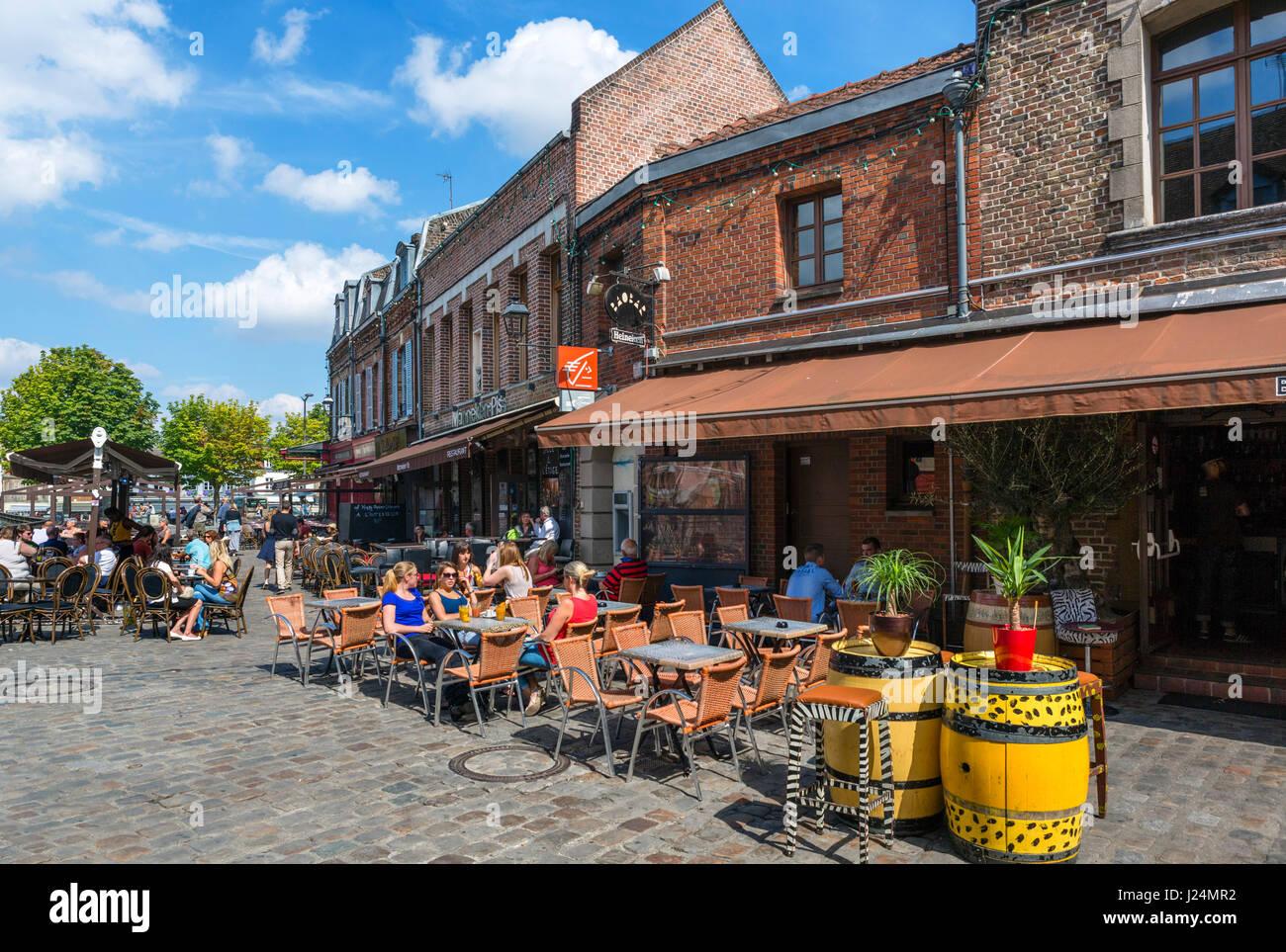 Cafe on Rue des Bondés, Quartier St-Leu, Amiens, Picardy, France - Stock Image