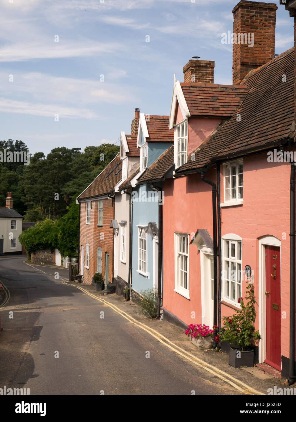 Colourful Old Cottages in Chapel Street in Woodbridge, Suffolk, England, UK - Stock Image