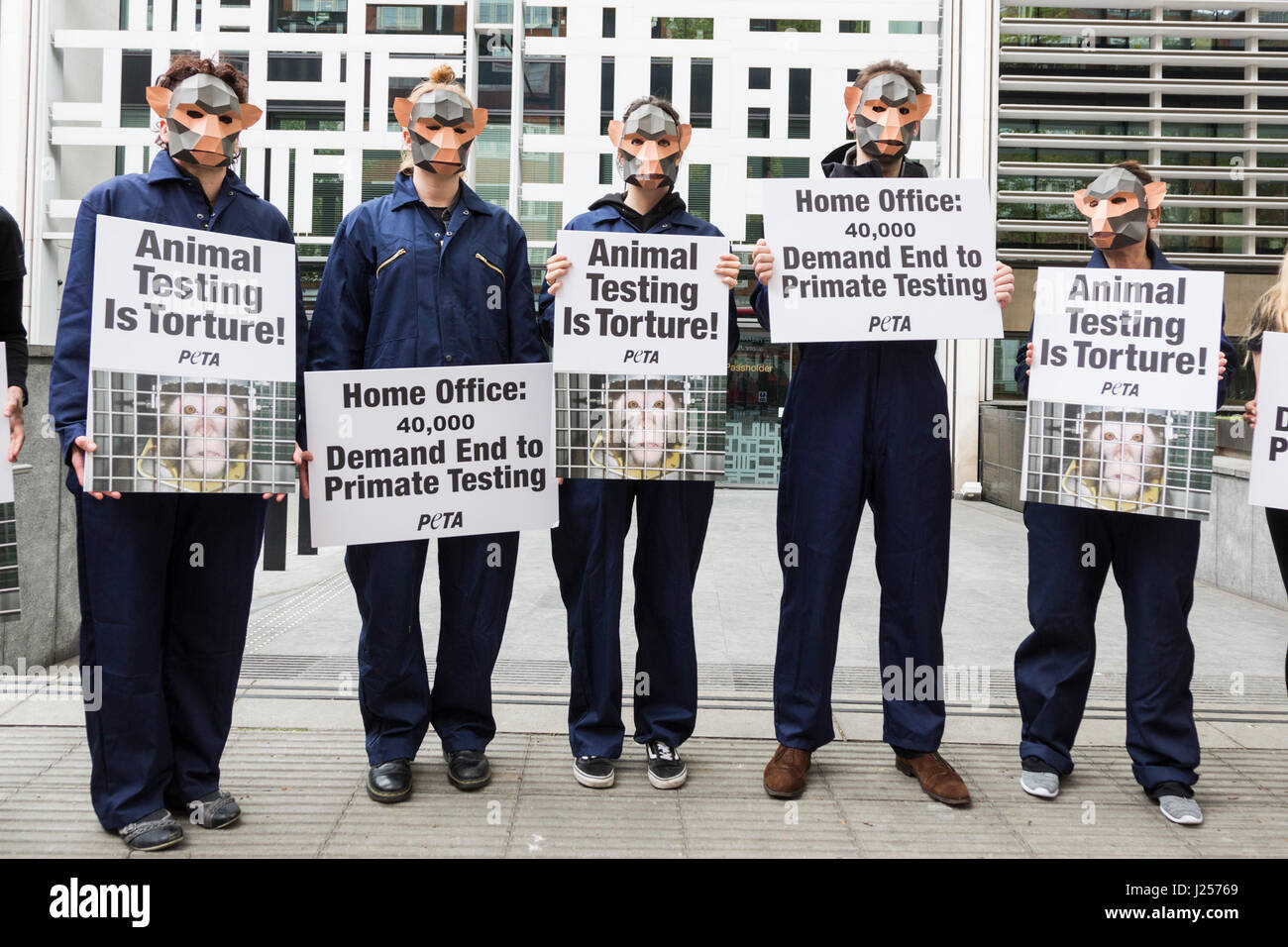 London, UK. 24 April 2017. To mark World Day for Animals in Laboratories, PETA members gathered outside the Home Stock Photo