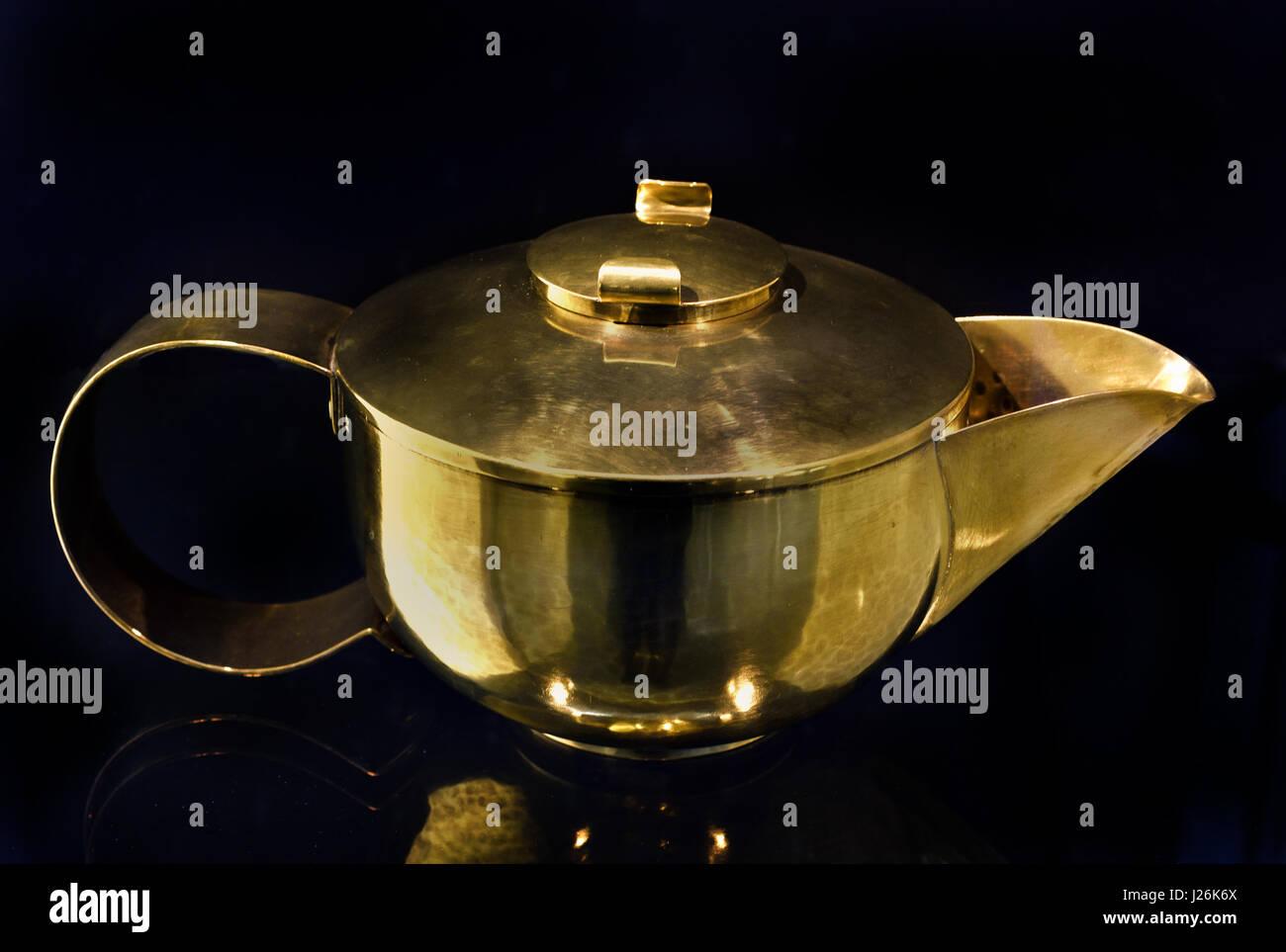 Teapot design, Hayno Focken, Lahr, c.1935 Messing - Stock Image