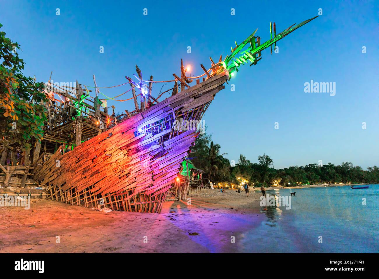 Hippie Bar, Tree House Bar, Buffallo Bay, Aow Kao Kwai,  Koh Phayam, Ranong, Thailand - Stock Image