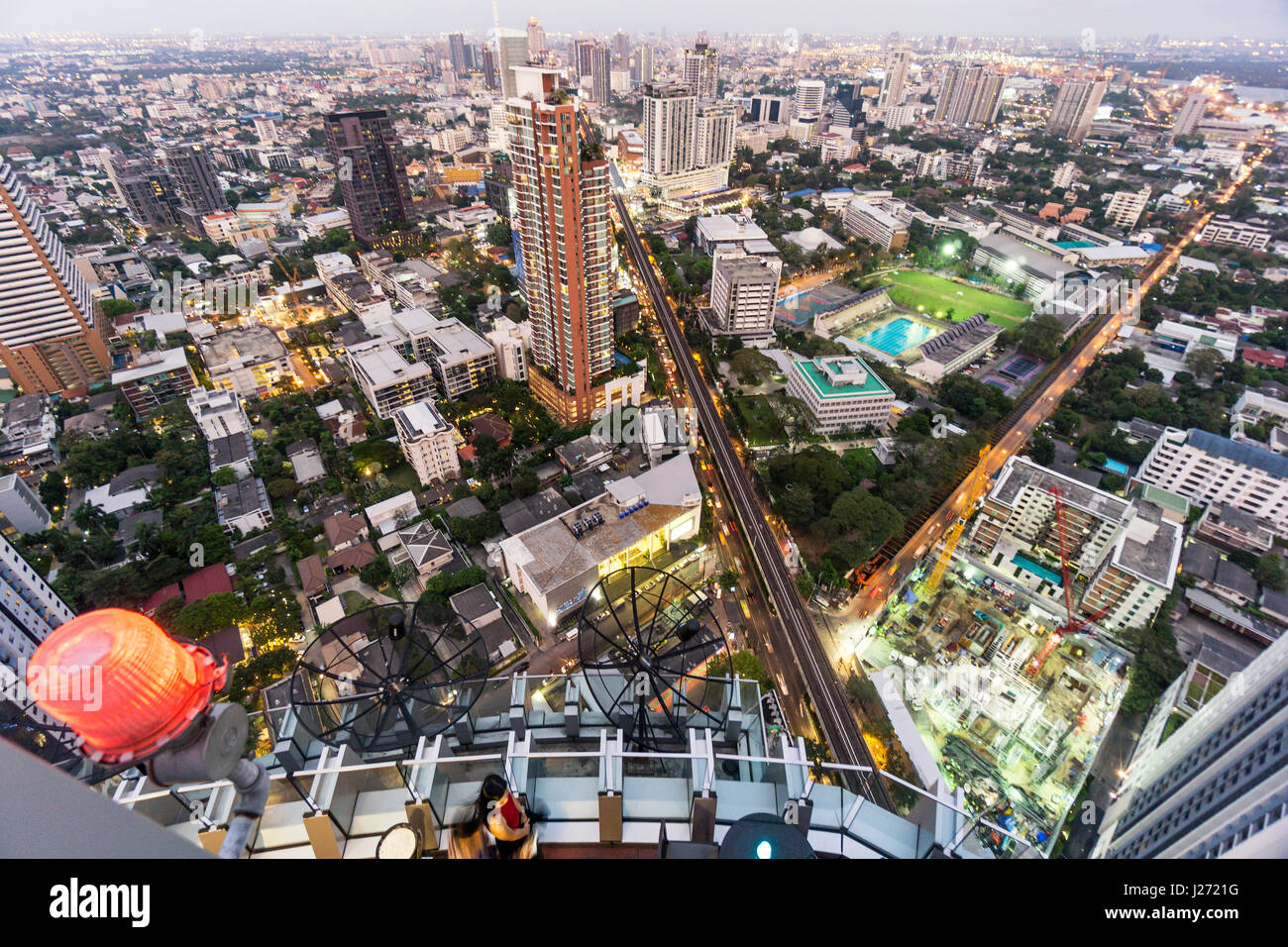 Octave Rooftop Bar, Marriot Hotel Sukhumvit, skyline view point, skybar, Lounge, rooftop, bar, Bangkok, Thailand - Stock Image