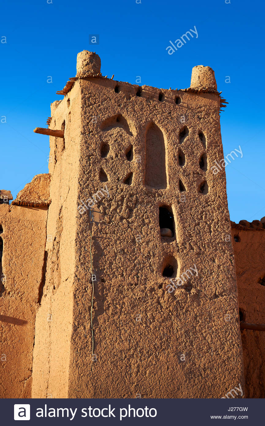 Exterior of the mud brick Kasbah of Taourirt, Ouarzazate, Morocco, built by Pasha Glaoui. A Unesco World Heritage Stock Photo