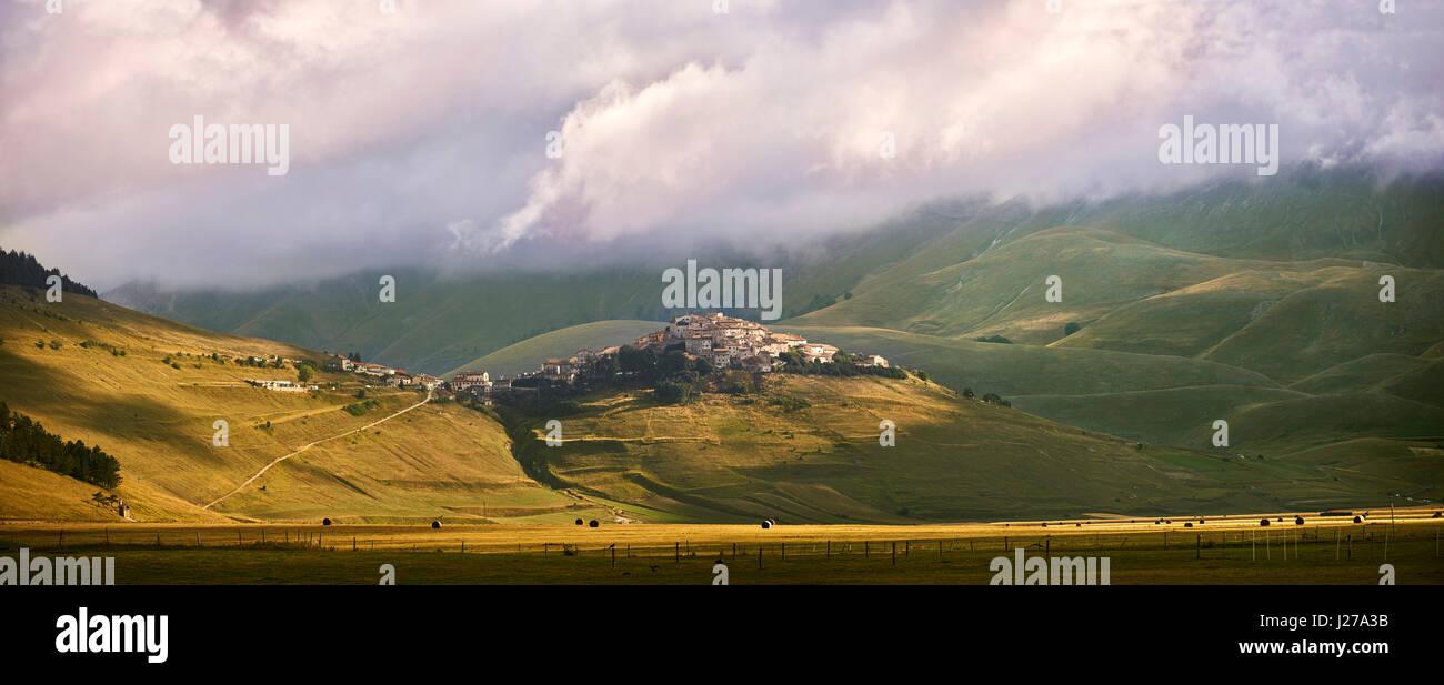 The hill town  of Castelluccio di Norcia, Parco Nazionale dei Monti Sibillini ,  Apennine Mountains,  Umbria, Italy. - Stock Image