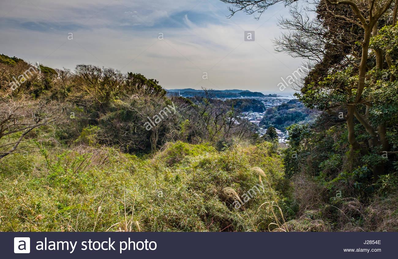 View of Kamakura seen from the Kuzuharaoka-Daibutsu Hiking Course, Kamakura, Kanagawa Prefecture, Honshu, Japan - Stock Image