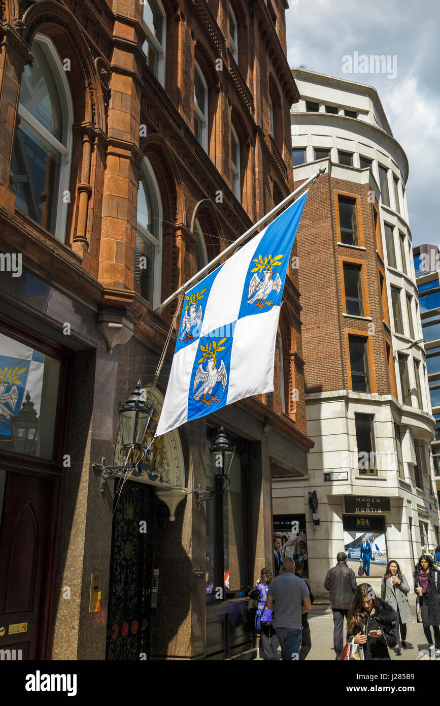 Blue and white crested flag outside headquarters of the Worshipful Company of Tallow Chandlers (Tallow Chandlers - Stock Image