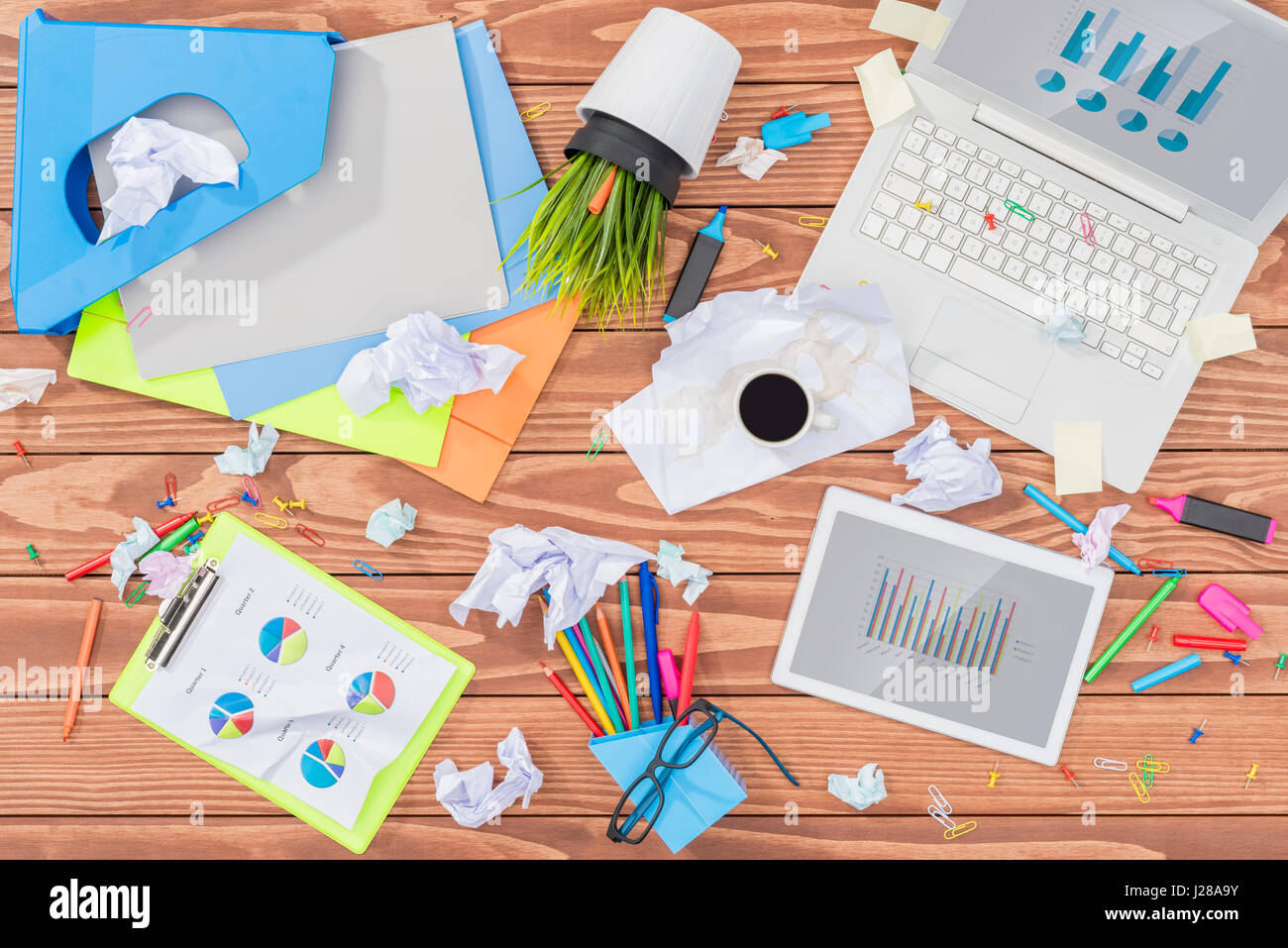 Messy office table - Stock Image