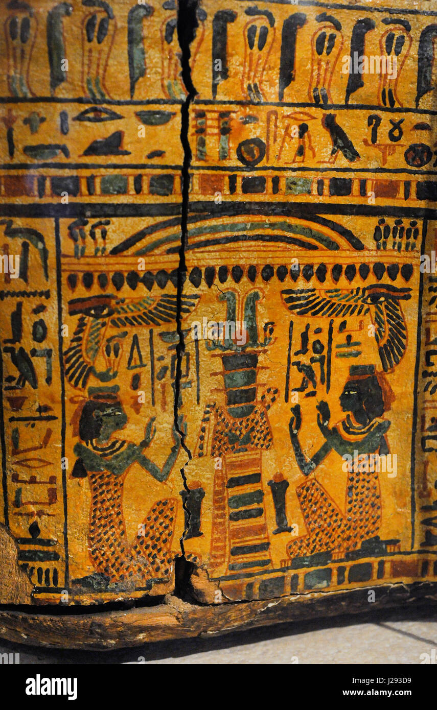 Egypt. Sarcophagus cover, The priestly from Deir-el Bahri, near Luxor. Priest.  21st Dynasty. Third Intermediate - Stock Image