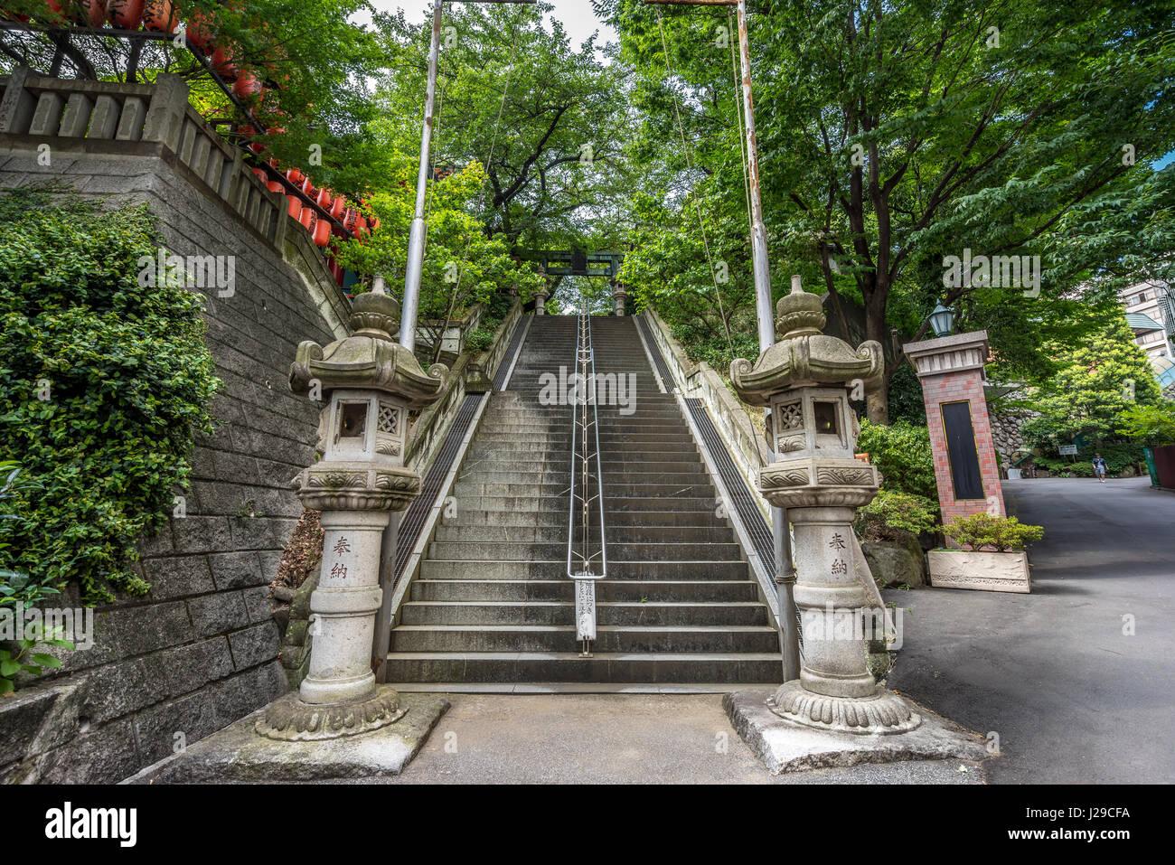 Fairytopia Entrance-stairs-to-ichigaya-kamegaoka-hachimangu-shrine-and-chanoki-J29CFA