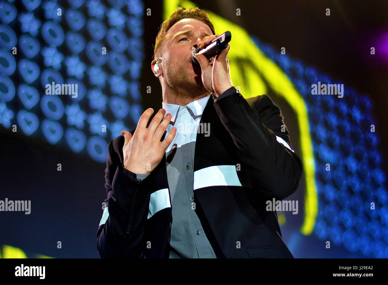 Newcastle, England, UK. Friday 6th May 2016 Olly Murs performing at the Metro Radio Arena, Credit: Rob Chambers - Stock Image