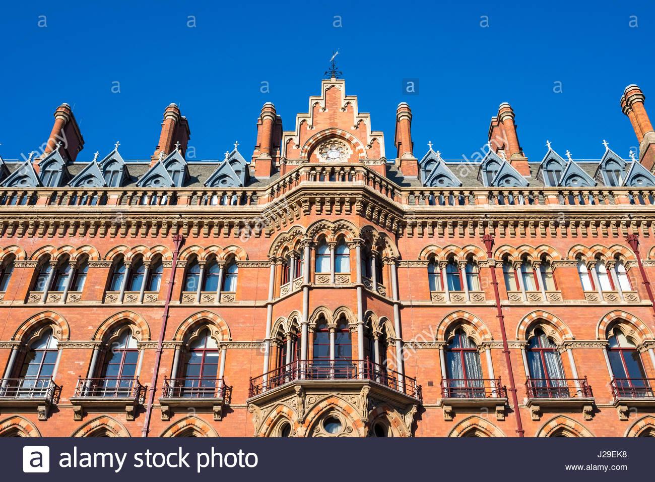 United Kingdom, England, London. St Pancras International railway station. - Stock Image