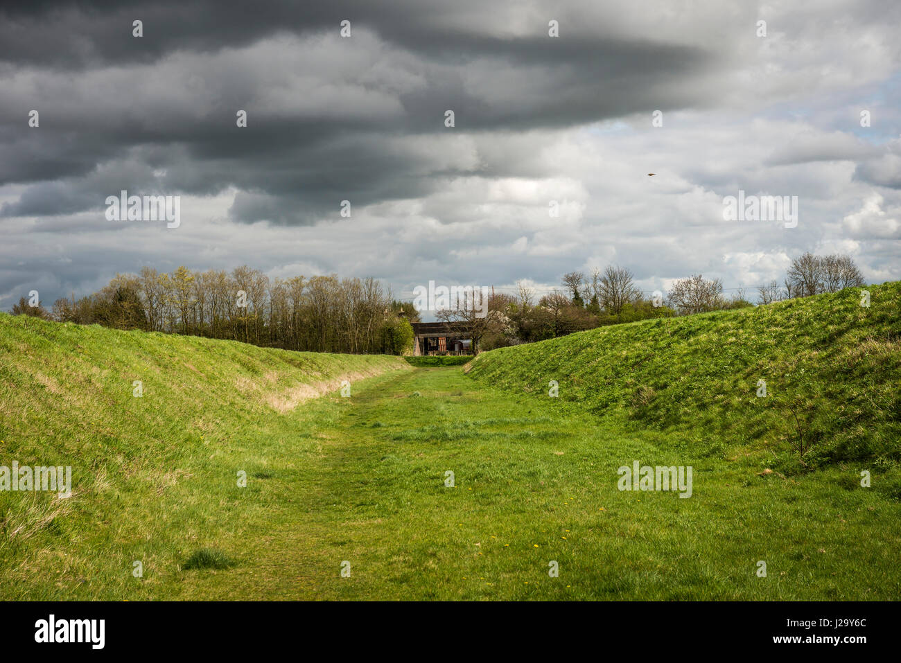 Closed section of the old Bedford and Cambridge Railway line near Longstowe, Cambridgeshire, UK - Stock Image