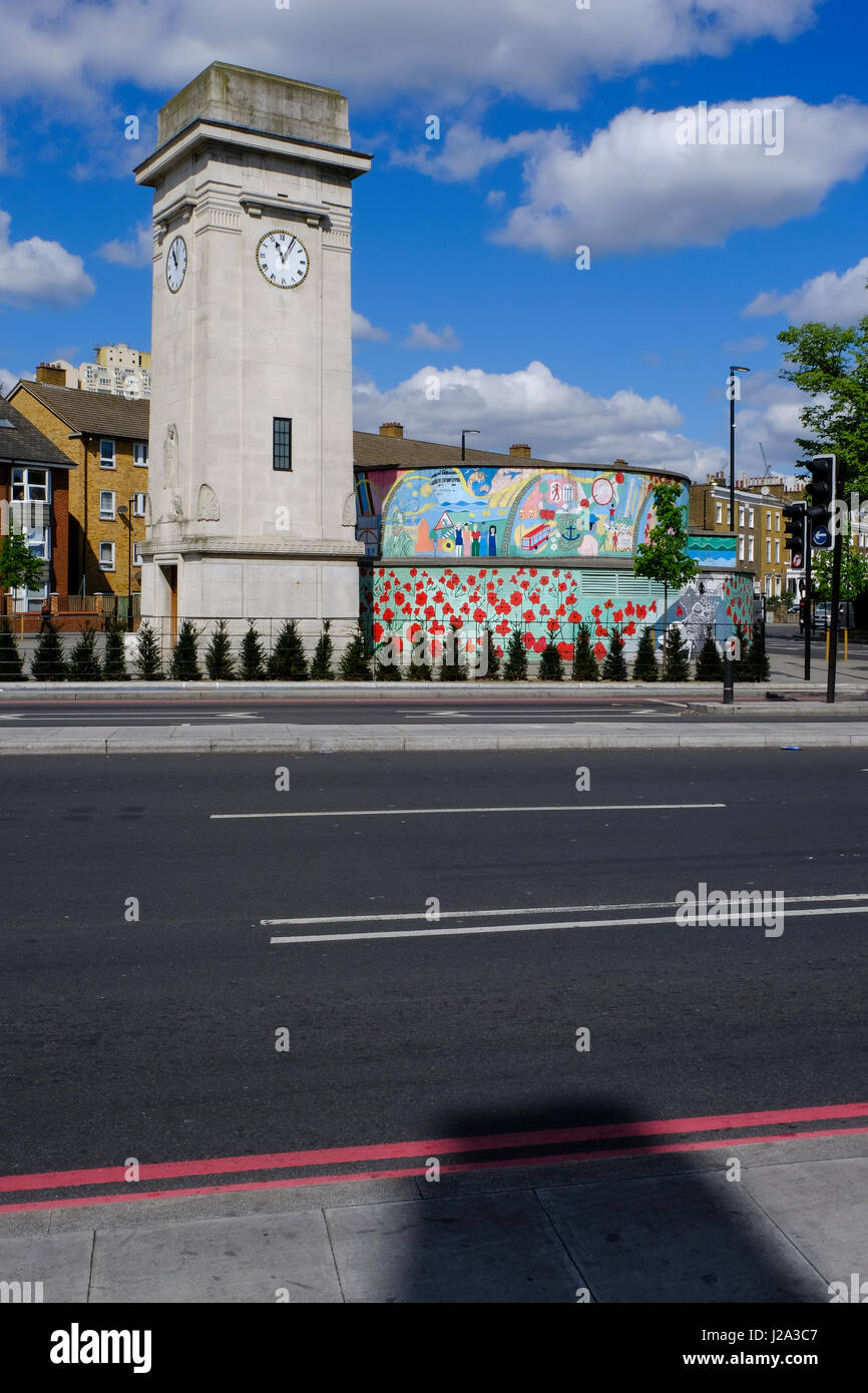 Stockwell WW1 memorial clock and bunker - Stock Image