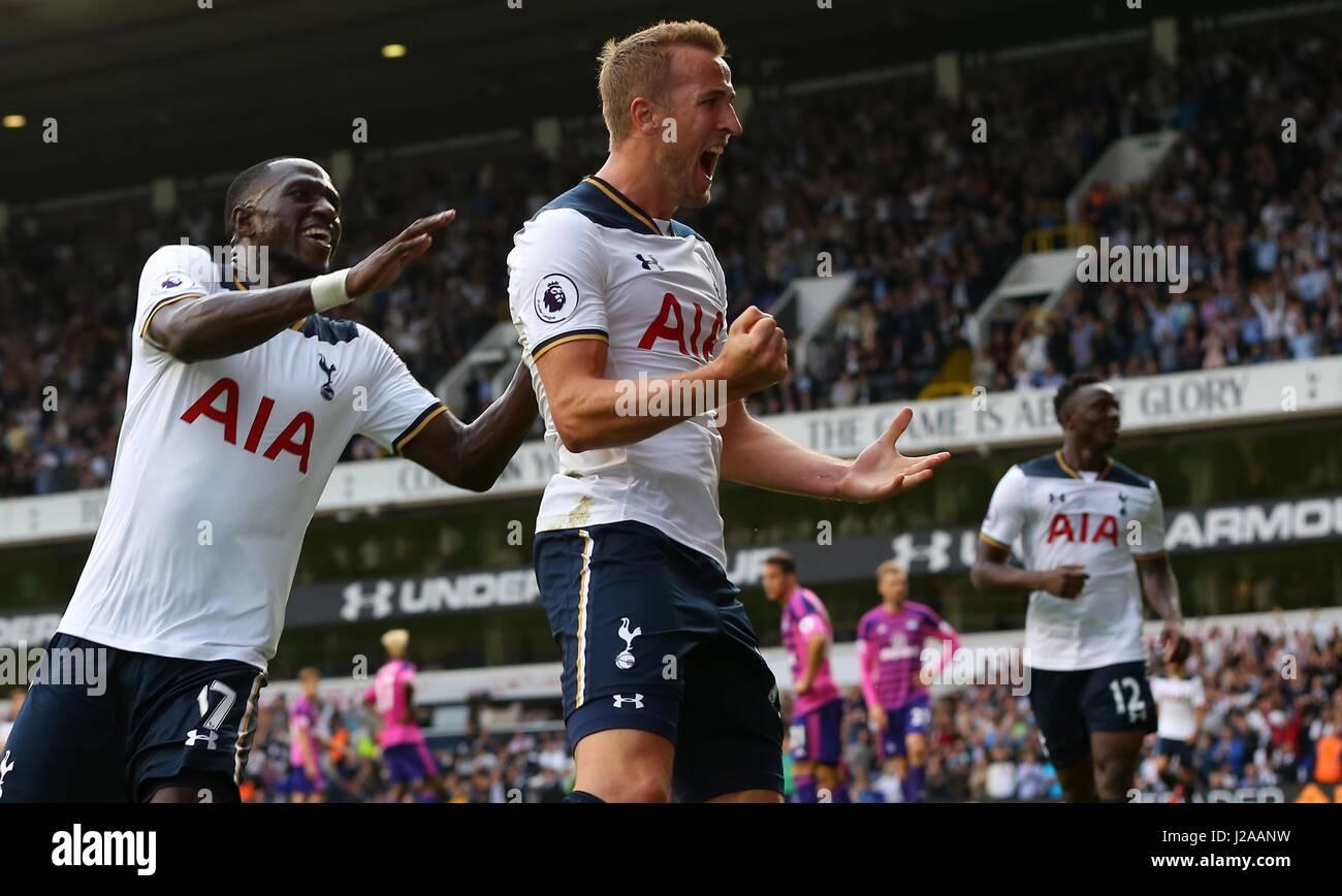 Harry Kane of Tottenham celebrates after scoring during the Premier League match between Tottenham Hotspur and Sunderland - Stock Image
