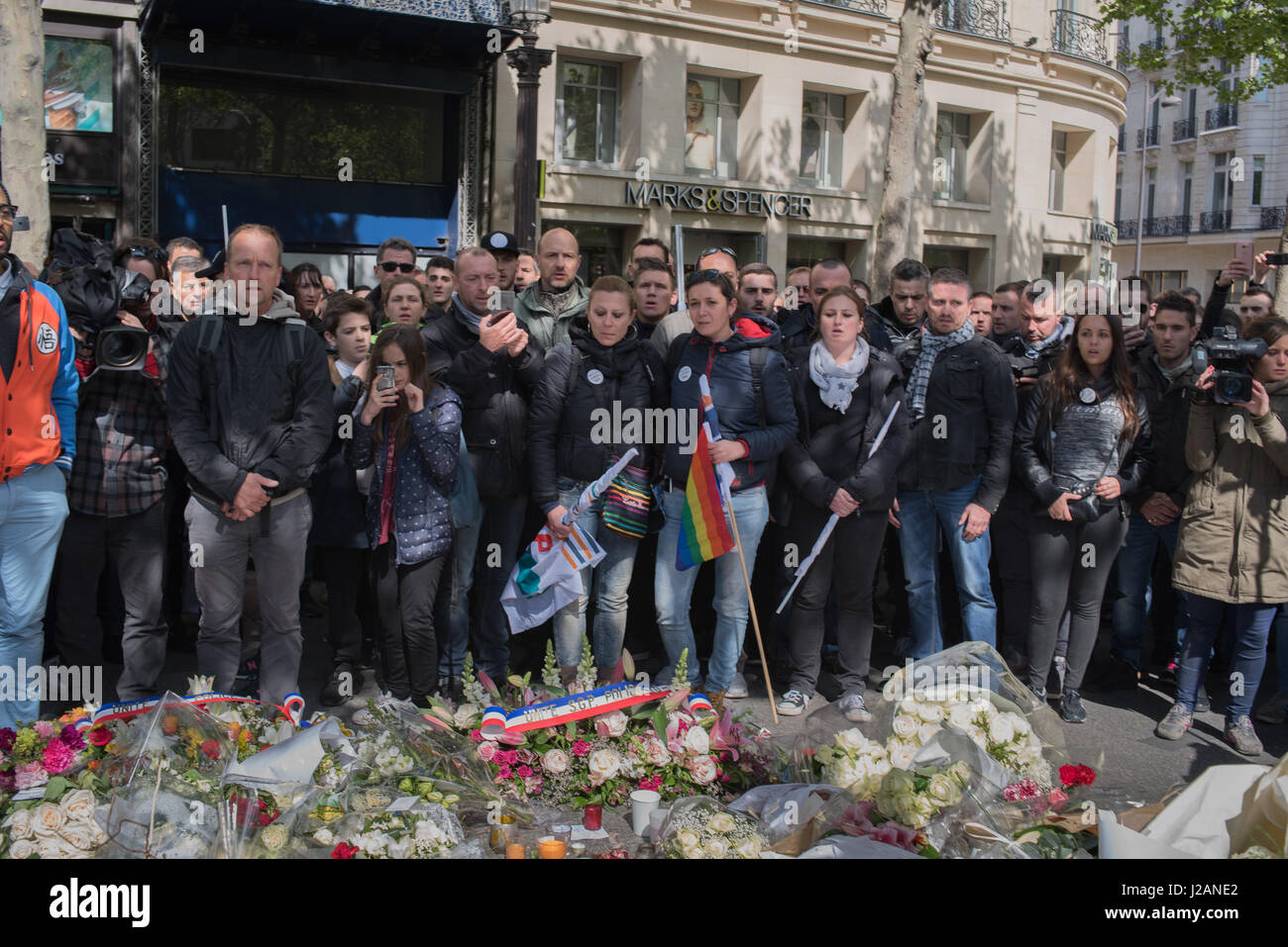 Paris Manifestation Police Officers angry And in Mourning Stock Photo Alamy