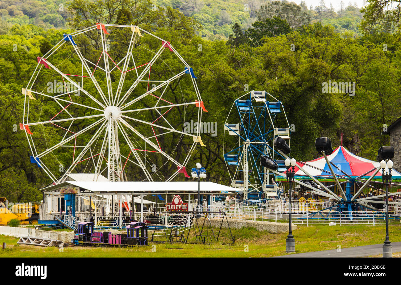Old Carnival Rides Stored In Wooded Area Stock Photo: 139162811 - Alamy