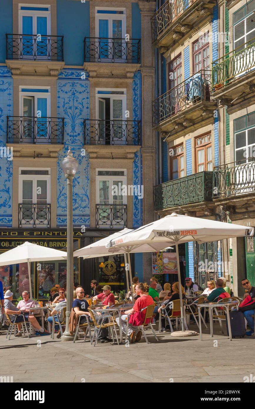 Bar Porto Portugal, tourists relax at a bar in a small square - the Largo de Santo Domingos - in the old town area - Stock Image