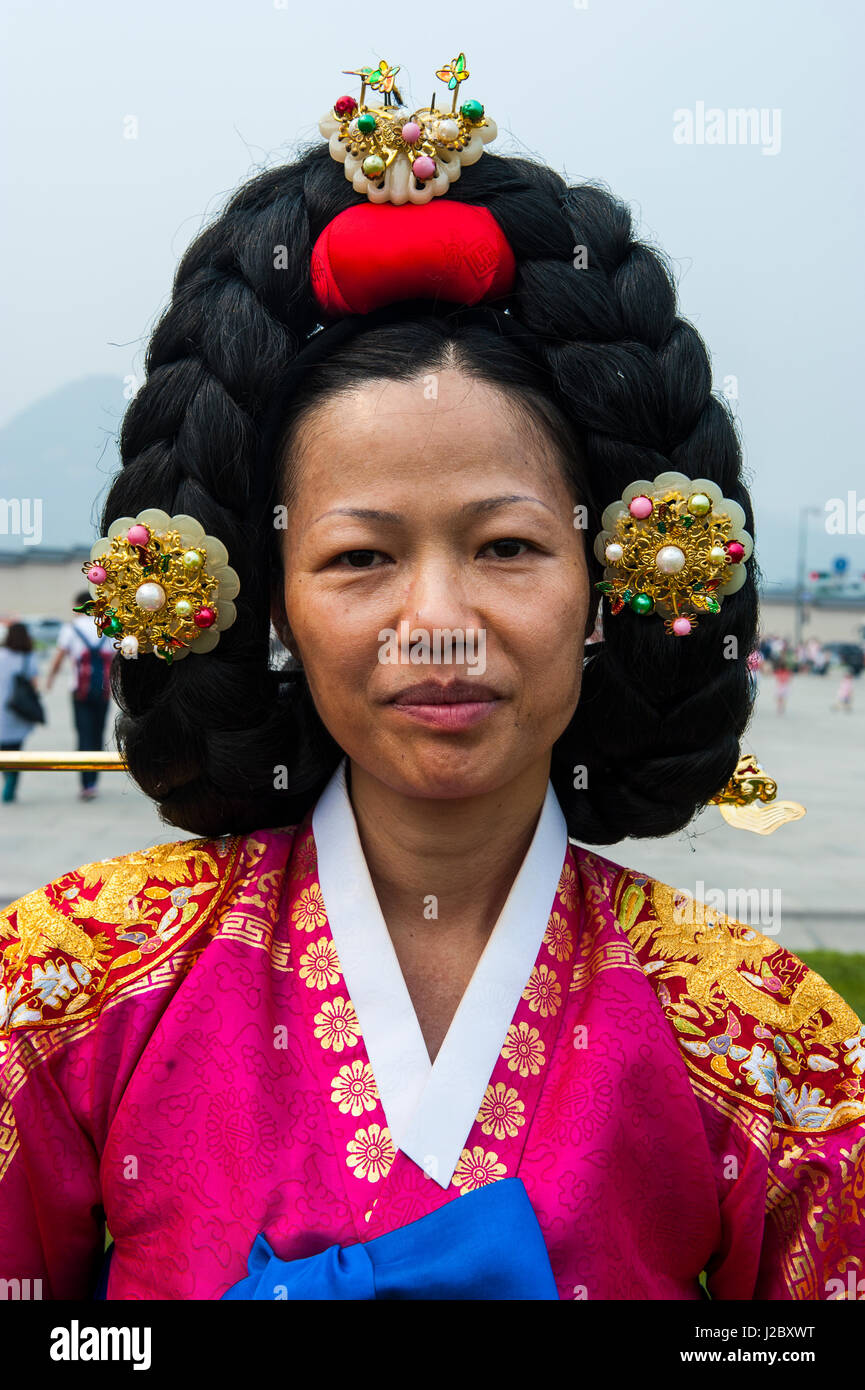 Traditional Dressed Woman With A Special Hair Style Gyeongbokgung