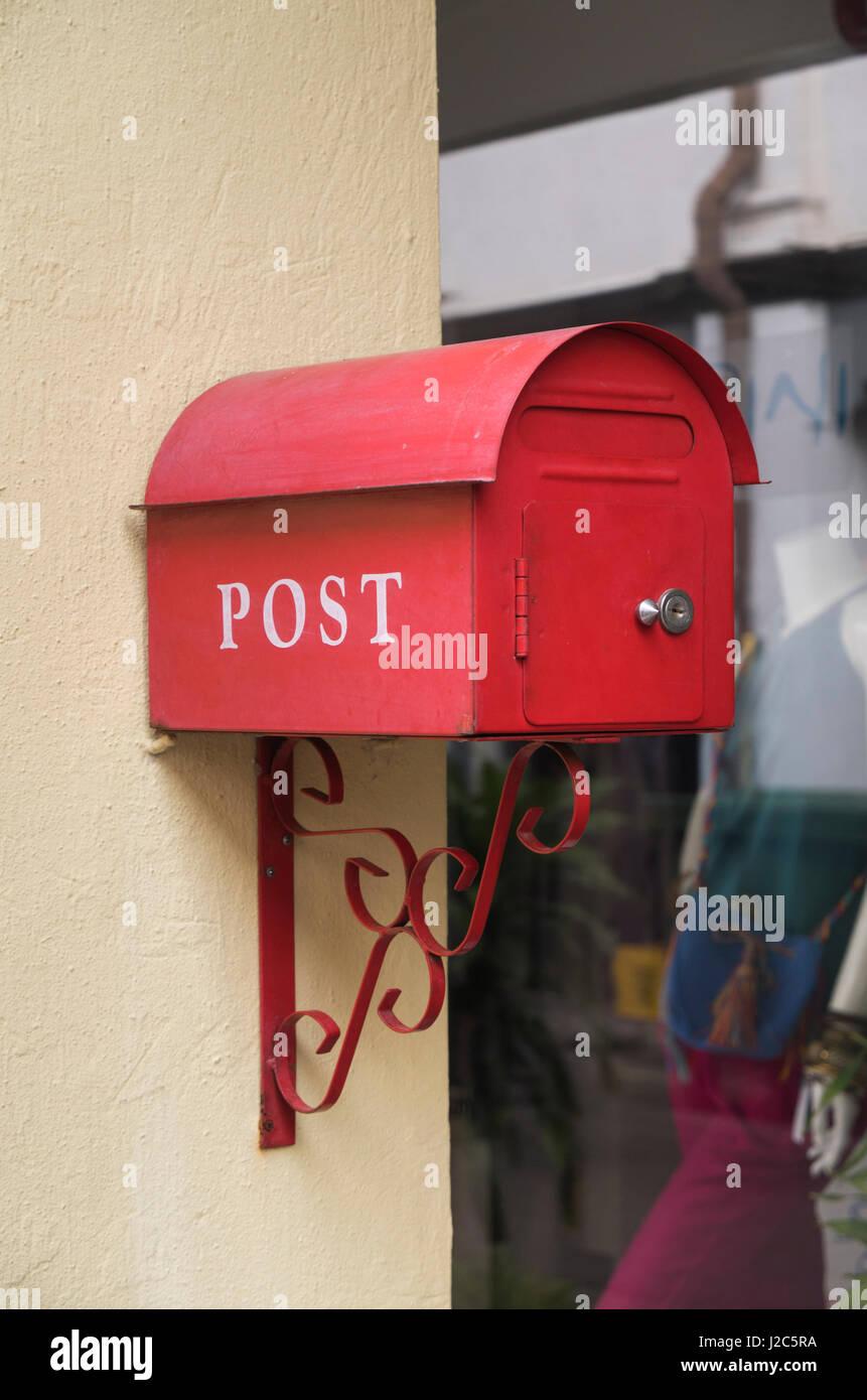 Singapore, Kampong Glam Muslim Area, post box - Stock Image