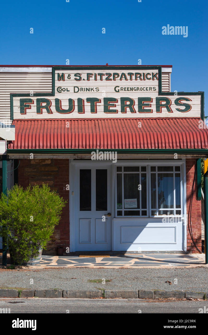 Australia, Clare Valley, Farrell Flat, Fruiter's sign - Stock Image