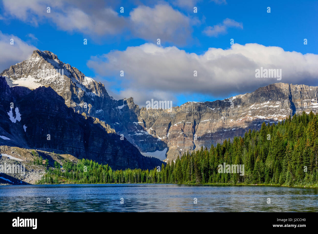 The Marshall (l) and Mount Watson (R) and Cerulean Lake - Stock Image