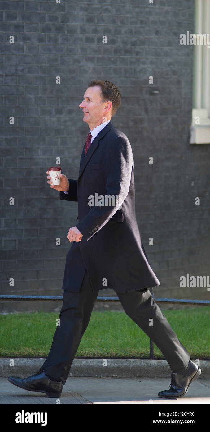 Government Minister Jeremy Hunt attending No 10 Cabinet Meeting on 25 April 2017, Downing Street, London UK. Credit: - Stock Image