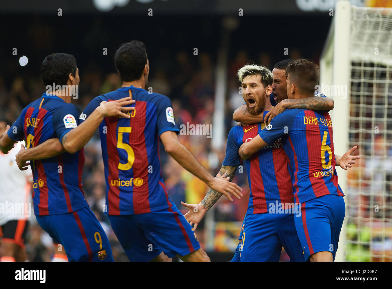 FC Barcelona players celebrates their goal during the La Liga match at Mestalla, Valencia Picture by Maria Jose - Stock Image