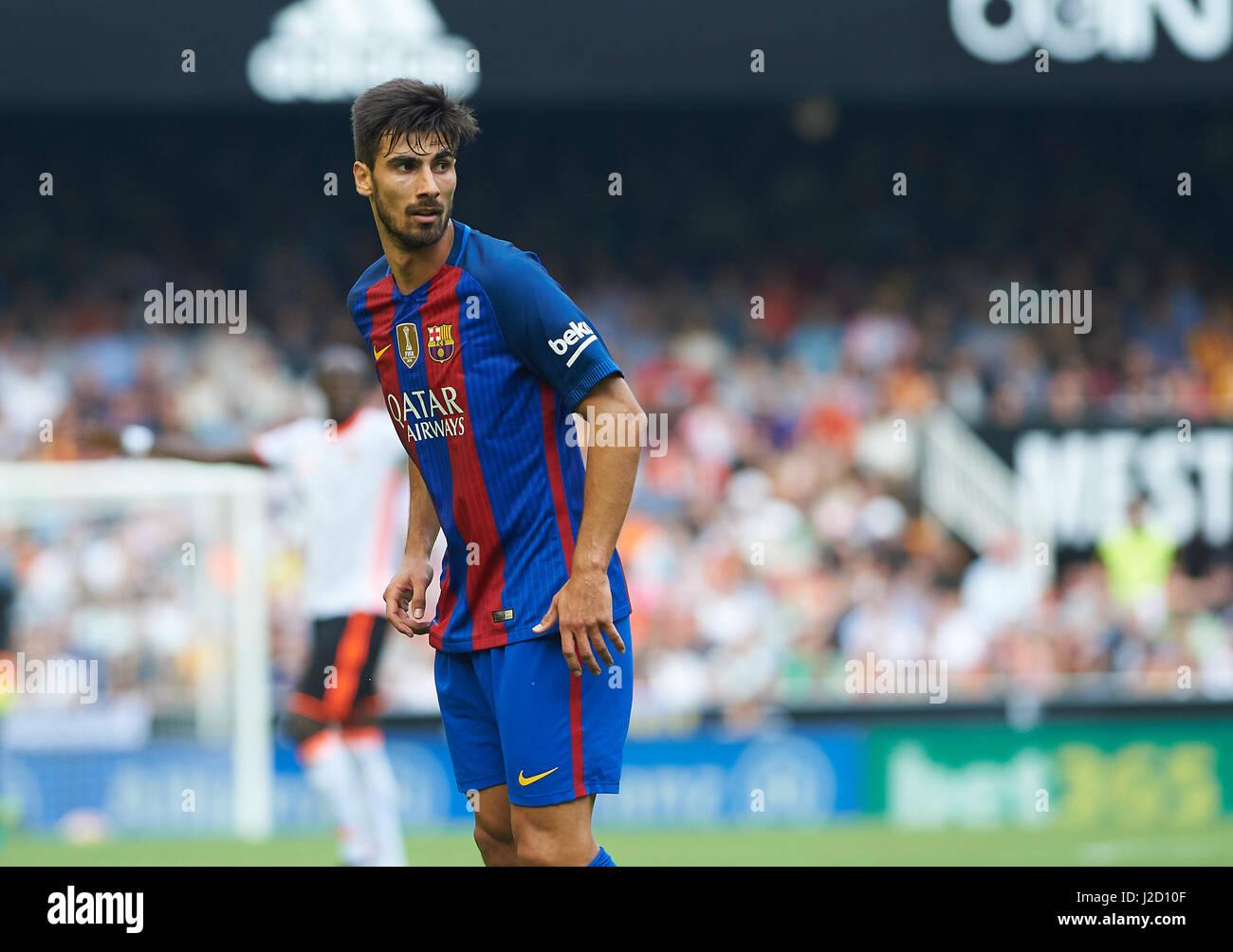 Andre Gomes of FC Barcelona during the La Liga match at Mestalla, Valencia Picture by Maria Jose Segovia/Focus Images - Stock Image