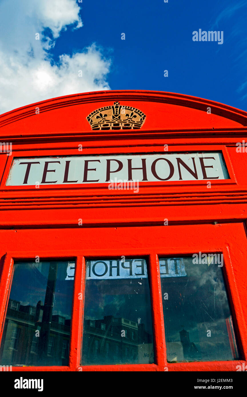 Europe, United Kingdom, England, South East London, Woolwich. K6 red telephone box designed by Sir Giles Gilbert - Stock Image