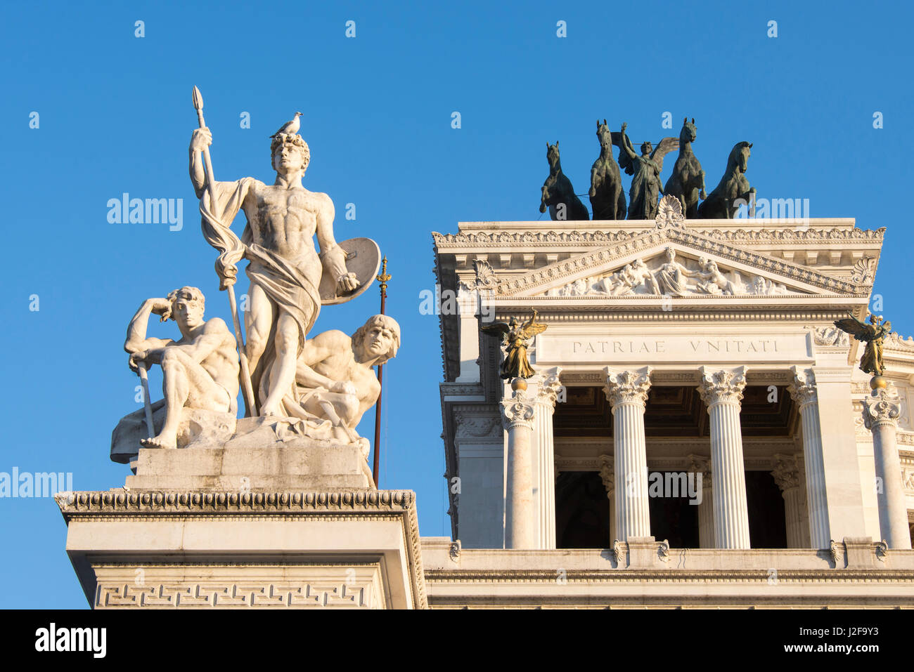 Europe, Italy, Rome. Altar of the Fatherland, Il Vittoriani. Commemorates unification of Italy. Sometimes referred - Stock Image