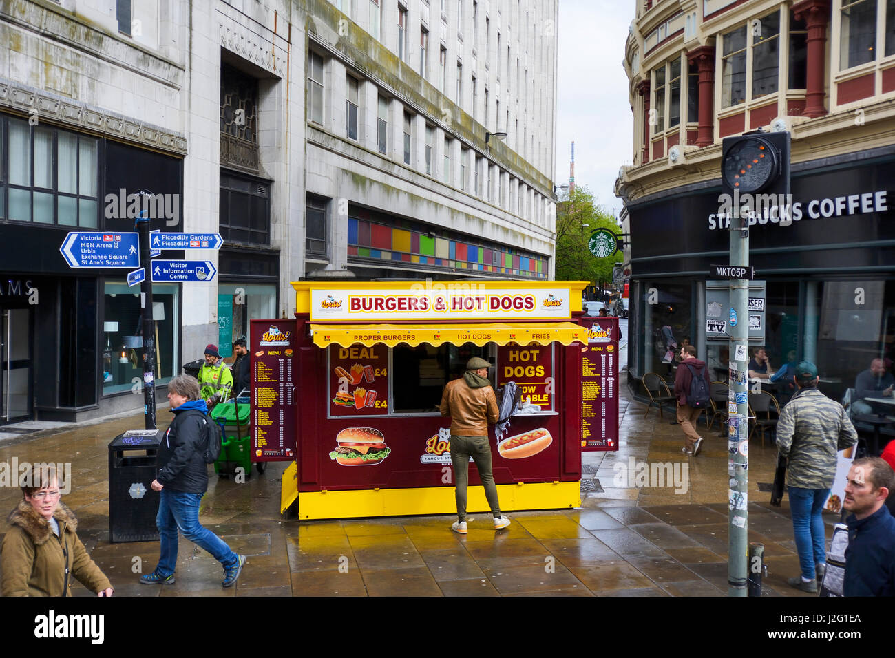 Burgar and hot dogs fast food cabin in Tib Street / Market Street, Manchester city centre close to Piccadilly Garderns. Stock Photo
